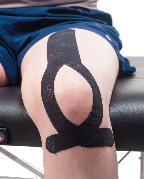 Quadricepts Tendonitis Knee Taping Step 5 | Physical Sports First Aid